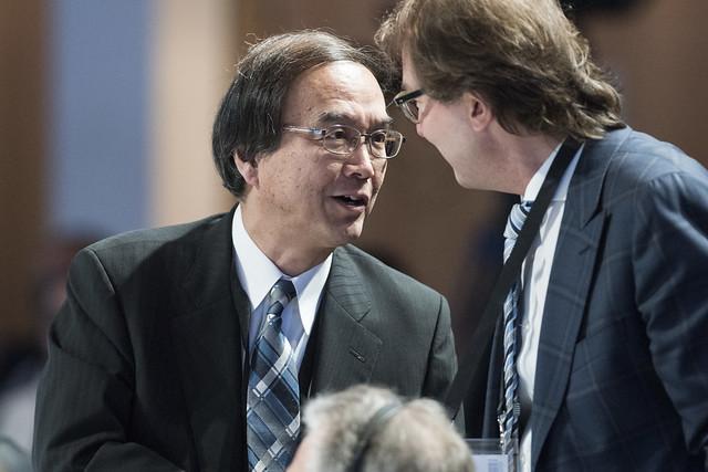 Toshiya Morishige speaks with Alexander Dobrindt