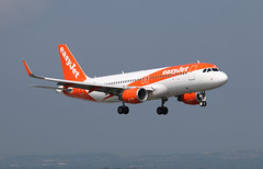 Photo of G-EZPF Airbus A.320-214, easyJet, Bristol Lulsgate, Somerset