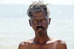 Hombre en la playa de Rameswaram (Tamil Nad-India), 2016. (Luis Miguel Surez del Ro) Tags: india contraluz hombre tamilnadu rameswaram