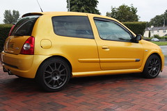 LY 182 28-06-16 005 (AcidicDavey) Tags: yellow clio renault liquid 182 renaultsport
