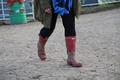Glastonbury Festival 2016  Thursday (Laura Zaky Photography) Tags: uk colour festival happy glastonbury atmosphere everyone glastonburyfestival thursday wellies wellingtons pilton wellyboots festivalgoers ciderbus festivalphotography glastonbury2016 laurazakyphotography