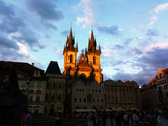 Church of Our Lady before Týn (Yu Shiyang) Tags: blue orange church europe prague dusk gothic halo czechrepublic oldtown oldtownsquare goldenhour townsquare prague1 centraleurope opticalphenomenon churchofourladybeforetýn
