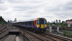Clapham Junction (DarloRich2009) Tags: uk england london emu battersea southwesttrains wandsworth stagecoach claphamjunction swt electricmultipleunit claphamjunctionstation class458 londonboroughofwandsworth stagecoachgroup claphamjunctionrailwaystation 458529