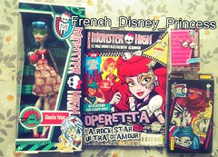 My new Monster high stuff !! (French_Disney_Princess) Tags: french france mag high monster doll custom for one wich comparaison comparison dolls shore skull yelps ghoulia chameleonfilter flickriosapp:filter=chameleon uploaded:by=flickrmobile