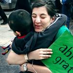 Abrazos Gratis - Free Hugs - Natalia thumbnail