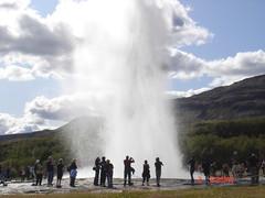 Islandia. Geysir. El geiser Stokkur (escandio) Tags: islandia geyser geysir 2009 geiser scislandia scengeysir