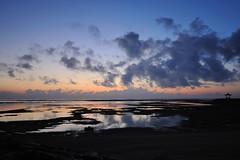 Bali (Xaf) Tags: sea bali beach water sunrise indonesia vacances mar sand agua holidays playa arena amanecer vacaciones aigua platja sorra orto indicocean tanjungbenoa oceanoindico sortidadelsol oceaindic