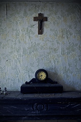 An old clock and cross (Tapioca Farm) (Mike Foo) Tags: family abandoned canon photography closed cross decay urbandecay oldhouse urbanexploration abandonedhouse disused explorers derelict decayed decaying dereliction ue oldfarm urbex oldclock abandonedfarm abandonedroom oldcross leavenothingbutfootprints takenothingbutpictures takenothingbutphotographs canon5dmark3 tapiocafarm takenothingbutphotography uetapiocafarm urbextapiocafarm urbanexplorationtapiocafarm