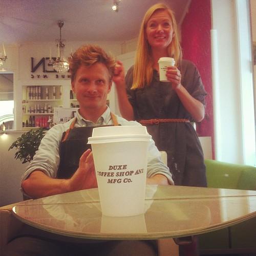 Leverans till Hårcompaniet! #hårcompaniet #frisör #catering #leverans #cappuccino #linköping #därideerblirverklighet #ring @duxemfgco #duxemfgco