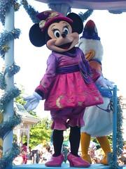 Disneyland Paris (sOoZ__) Tags: show wild west store disneyland disney mickey neige blanche fe maris clochette minie aristochats