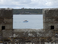 Pendennis Castle from St Mawes Castle, Cornwall (photphobia) Tags: uk castle cornwall cannon falmouth fortress castillo stmawes pendenniscastle pendennis stmawescastle 2013