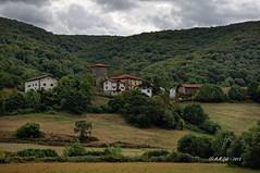Ihaben - Basaburua (A.M. Goñi) Tags: landscape village paisaje navarre navarra herria nafarroa paisaia basaburua amgoñi ihaben