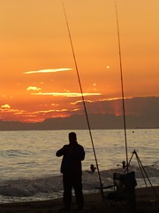 Atardecer (3) (calafellvalo) Tags: sunset sea moon mar venus calafell playa luna pesca ciudadela ciutadella calafellvalo calafelllunavenusmarocasosunsetcalafellvalo
