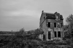 (Farlakes) Tags: house abandoned decay farlakes