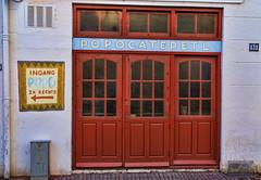 the back door (stevefge) Tags: street red nijmegen doors nederlandvandaag