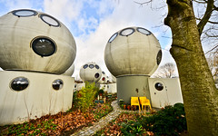Spherical houses (Bolwoningen) (Earthenframes) Tags: holland netherlands architecture interesting spaceship curious denbosch globes bizarre shertogenbosch bolwoningen unconventional maasport satellitehouses globehousing
