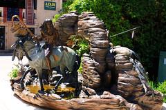 (TimTruong101) Tags: statue sedona