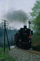 Swining into the curve (Frhtau) Tags: up speed train germany tren climb countryside spring track time fast railway scene steam line pole special locomotive 50 signal telegraph allemagne treno freight semaphore lok ferrocarril dampf 052 vapeur  vapore  jch zhngq