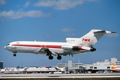 TWA 727-31 landing at KMIA (GeorgeM757) Tags: classic airplane airport aircraft aviation landing boeing twa 727 transworld kmia 72731 alltypesoftransport n7892 georgem757