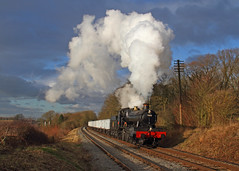 Kinchley Lane (Treflyn) Tags: winter sun sunlight train during photo skies afternoon time threatening events great under central rail railway loco photographic class steam line lane western timeline locomotive manor charter bask 7800 gwr 460 sidings 7820 kinchley dinmoremanor 78xx