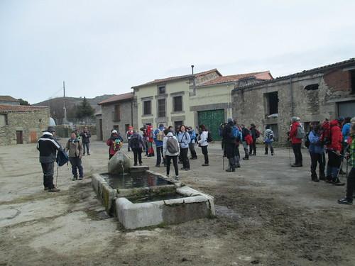 MARCHA-371-los-pueblos-abandonados-valle-de-aravalle-avila-senderismo (38)