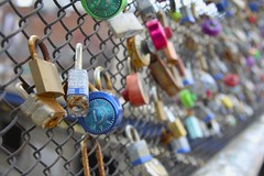 Master (Read2me) Tags: lock fence metalwords writing sign many she cye ge thechallengefactory dof blue pregamewinner friendlychallenge