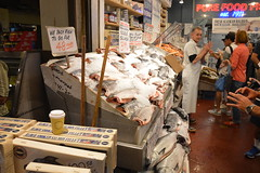Pike Place Fish Market 2 (10) (Tommy Hjort) Tags: seattle travel usa fish market pikeplacemarket fishmarket fisk marknad