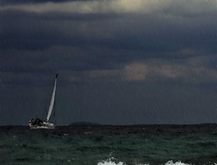 Into the storm (Franfly Tell (ON-OFF)) Tags: blue sea sky mer seascape storm rain weather azul clouds sailboat vent boot boat mar lluvia spain meer barca nuvole mare barco wind blu pluie himmel wolken wave bleu ciel cielo nubes tormenta sail blau vela nuages bateau vague pioggia espagne voile formentera welle marino regen paesaggio ola segeln spanien segelboot spagna vento velero clima onda sturm balearic klima baleari climat balear baléares balearische seestuck