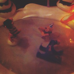 merry xmas from pooh and the... (doodooFORyooyoo) Tags: iceskating pooh winniethepooh merryxmas uploaded:by=flickstagram instagram:photo=8744291603013459173975078 assskating