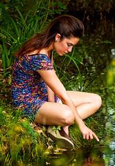 Silvia (o.solemio) Tags: ruscello riflessi bruna ragazza vegetazione capellilunghi gambenude indicetoccaacqua