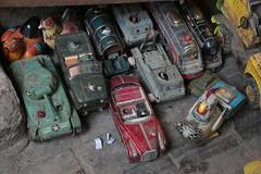 Pour les collectionneurs (Pi-F) Tags: us tank voiture collection souk locomotive objet mtal egypte ancien antiquit