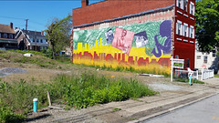 Pittsburgh Hill District Vacant Lot and Mural (real00) Tags: pittsburgh urbanlandscape hilldistrictpittsburghpa mural yellow teenieharris rustbelt