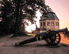 20160624-194609-Canon (Isarma1975) Tags: sonnenuntergang festung knigstein kanone
