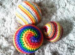 20160602_1029331 (priscacunha) Tags: bola bolas montessori montessoriano montessianas croche crochet croch croch amigurumi mariamontessori artesanal manual feitoamao