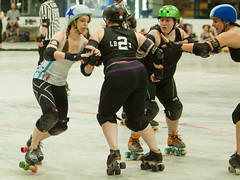 IMG_2293 (clay53012) Tags: womens flat track roller derby wftda derby flat track madison mrd league bout jammer jam team skate hartmeyer ice arena moocon2016