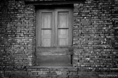Farm window (Pablo Arrigoni) Tags: wood old bw white house black brick ladrillo blanco window glass argentina argentine america canon ventana eos casa arquitectura madera farm bricks bn viejo ladrillos vidrio arquitecture architech granja 18135 ladr 70d eos70d