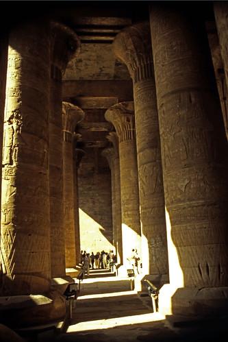 "Ägypten 1999 (174) Im Tempel von Edfu • <a style=""font-size:0.8em;"" href=""http://www.flickr.com/photos/69570948@N04/27778058251/"" target=""_blank"">View on Flickr</a>"