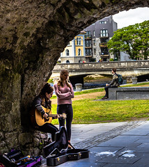 20160623-IMG_8707-2 (Frowzy245) Tags: park bridge ireland galway musicians buskers spanisharch