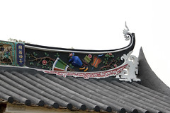 Roof Decoration (Canadian Pacific) Tags: building architecture hongkong estate chinese historic mansion  newterritories  yuenlong   santin taifutai   wingpingtsuen wingpingvillage taifudai aimg9532