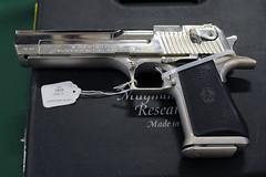 desert eagle (*monika) Tags: show usa nikon gun texas weapon pistol sweetwater magnum deserteagle rattlesnakeroundup d300s magnumresearch
