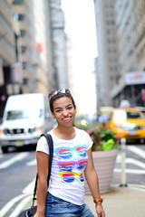 Pepsi tee (Leticia-b) Tags: new york city trip viaje cidade portrait woman usa girl smile nova america nikon focus dof bokeh retrato adolescente f14 united mulher smooth teen american eua viagem teenager garota sorriso states nikkor estados sorrindo unidos iorque d3000 d3100 nmenina