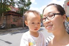 DSC09552 (小賴賴的相簿) Tags: baby kids sony taiwan 台灣 家庭 可愛 人像 小孩 親子 木柵 孩子 1680 兒童 a55 單眼 親情 1680mm 蔡斯 slta55v anlong77 小賴家 小賴賴