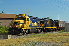 Santa Fe 3069 leads the Decatur Junction. (Machme92) Tags: santafe trains oldschool ge atsf railfanning oldpower
