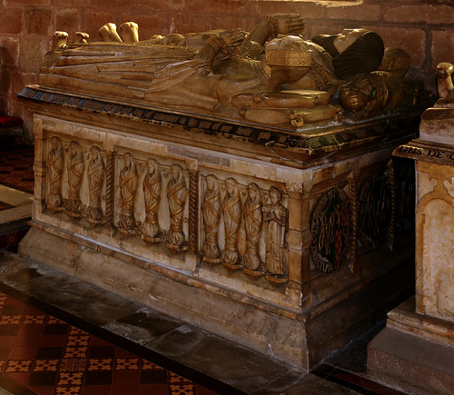 Brewood, Staffordshire, Church of St. Mary & St. Chad, monument to Sir John Giffard †1556 æt.s. 90 & his 2 wives Jane & Elizabeth