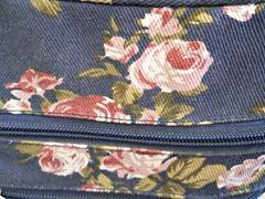 307/365:  Purse Detail (MountainEagleCrafter) Tags: blue fabric purse zipper pinkflowers day307 11313 apicaday 307365 shootfirstaskquestionslater day307365 3652013 2013yip 11032013 365the2013edition pad2013365 2013internationalbeauty 03nov13 pinkroseprint