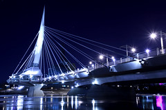 Esplanade Riel (Cindy's Here) Tags: bridge canada night canon winnipeg manitoba photowalk odc esplanaderiel
