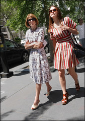 anna wintour on broadway 1a ol (The Urban Vogue) Tags: street urban newyork fashion manhattan daughter broadway midtown trends vogue blade editor chic mothersday annawintour streetstyle branstrom theurbanvogue bladefoto bladebranstrom