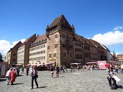 in the center of Nuremberg (2) (BZK2011) Tags: summer canon sommer nuremberg center powershot pedestrians zentrum nrn