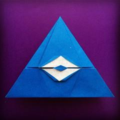 Origami Time! 21/53 Illuminati by Nikita Sheptun # # # # # #papiroflexia #origami #paper #paperfolding #fold #foldedbyme #foldoftheday #instaorigami #Spring #ElParaiso #Sunday #May #22 #2016 #Caracas #Venezuela #chicoquick (chicoquick) Tags: paper 22 spring origami venezuela sunday may caracas  fold paperfolding papiroflexia   2016  elparaiso foldedbyme  chicoquick foldoftheday instaorigami