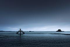 Monument Valley sous les eaux (Ma Poupoule) Tags: ocean mer france bretagne plage saintmalo piscine stmalo plongeoir poselongue pauselongue